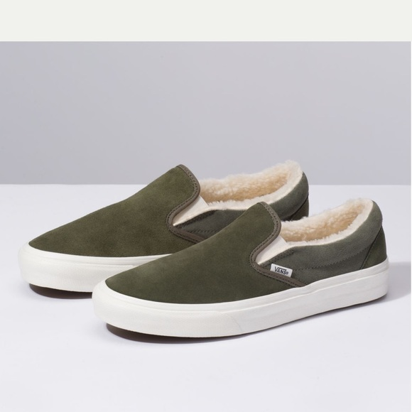 e09d2a651e0f10 NEW Vans- Suede Sherpa lined slip ons size 5.5